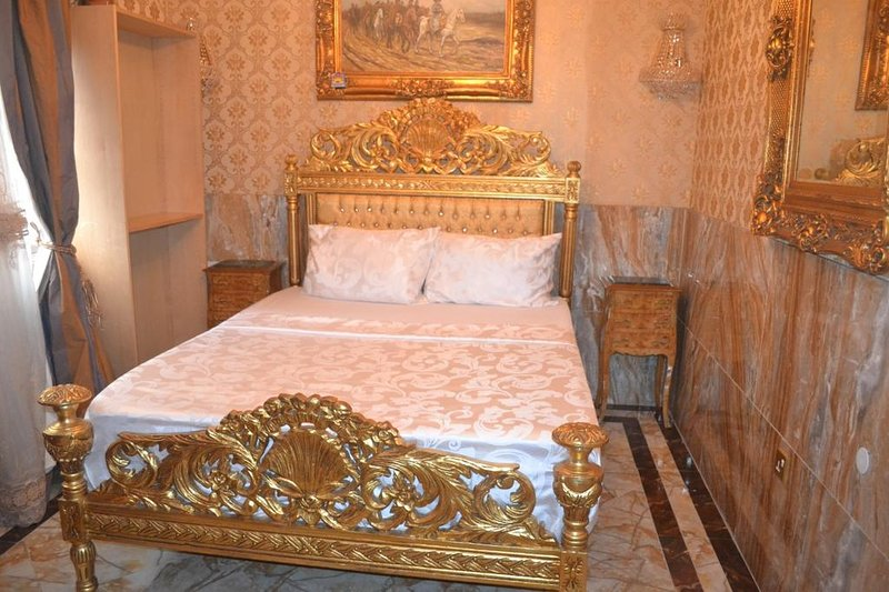 Grand Emperor Hotel Deluxe Room12, alquiler vacacional en Lekki