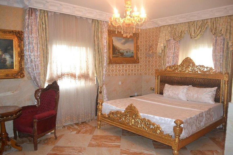 Grand Emperor Hotel Deluxe Room6, alquiler vacacional en Lekki