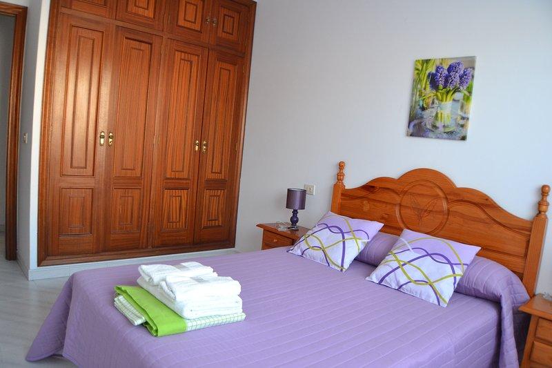 Apartamento Céntrico de 3 habitaciones, holiday rental in O Grove