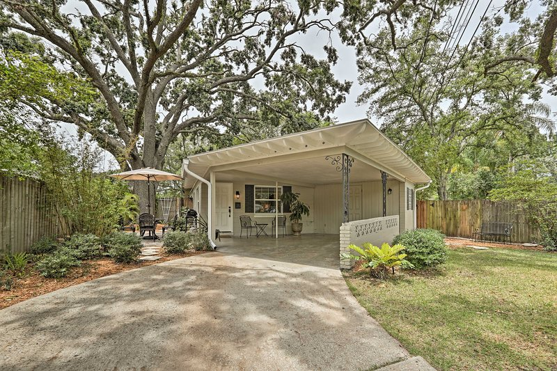 All of Orlando awaits your discovery from this cozy cottage!