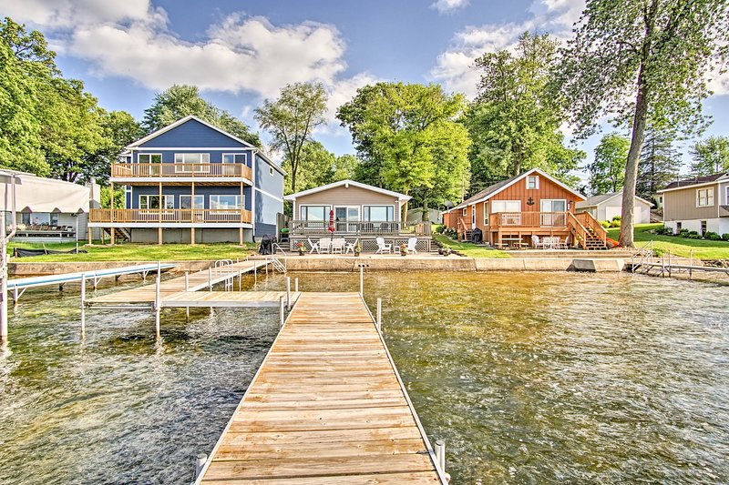 Lake George 'Cottage on the Lane' w/Dock & Kayaks!, holiday rental in Coldwater