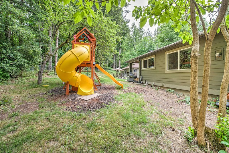 Kids will love the private jungle gym!