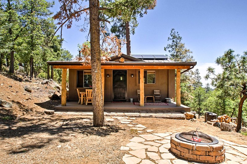Elevate your Prescott vacation at 'Lil Pine.'