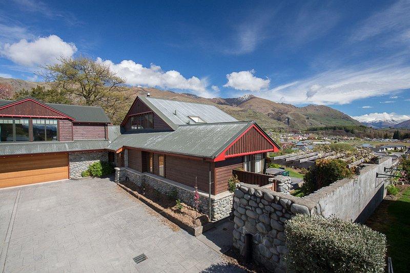 Rilascio Wanaka - Bullock Creek Chalet, casa vacanze Wanaka con vista sul lago e sulle montagne