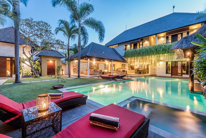 Only maximum 2 minute walk to Seminyak Square
