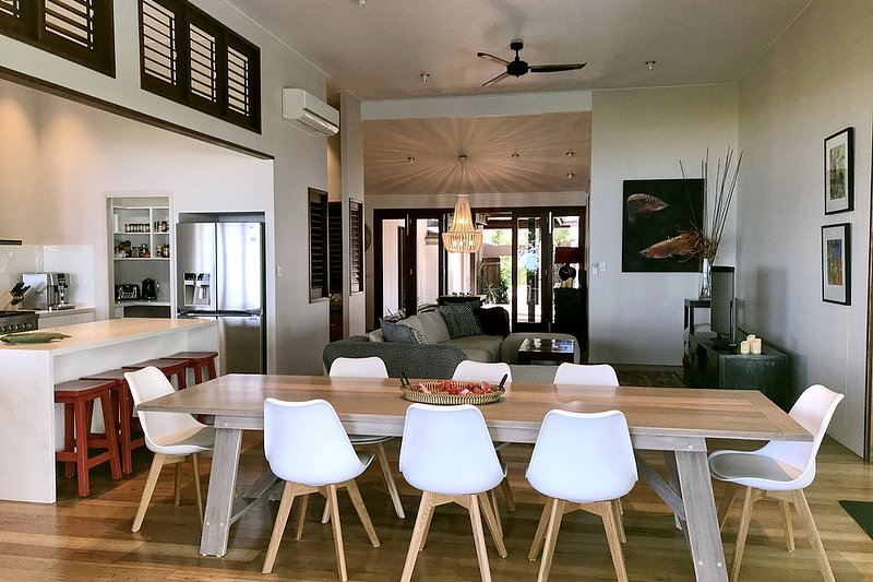 The Artist House - Dining