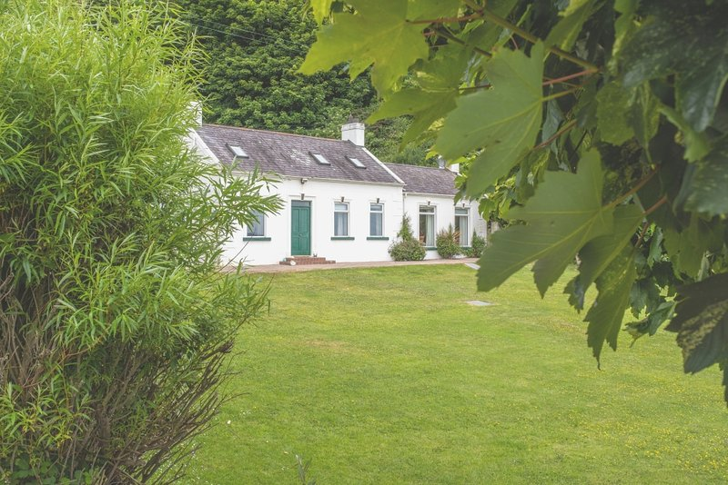 Bay View Cottage - Causeway Coast Rentals, location de vacances à Antrim