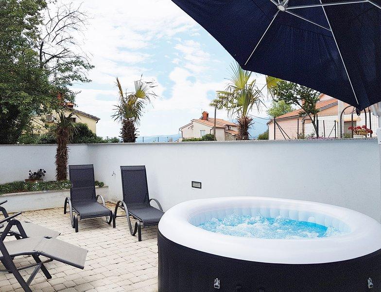 Deluxe Villa Opatija in Kastav Jacuzzi, casa vacanza a Kastav