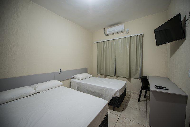 Triple Room - Vila Dumont Residence Iguassu Falls, vacation rental in Foz do Iguacu