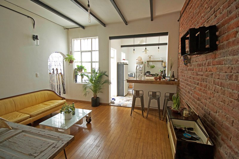 Beautiful quiet nest in the lively Roma Norte, vacation rental in Mexico City