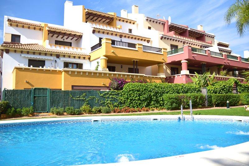 Apartment with swimming-pool, vacation rental in Costa Esuri