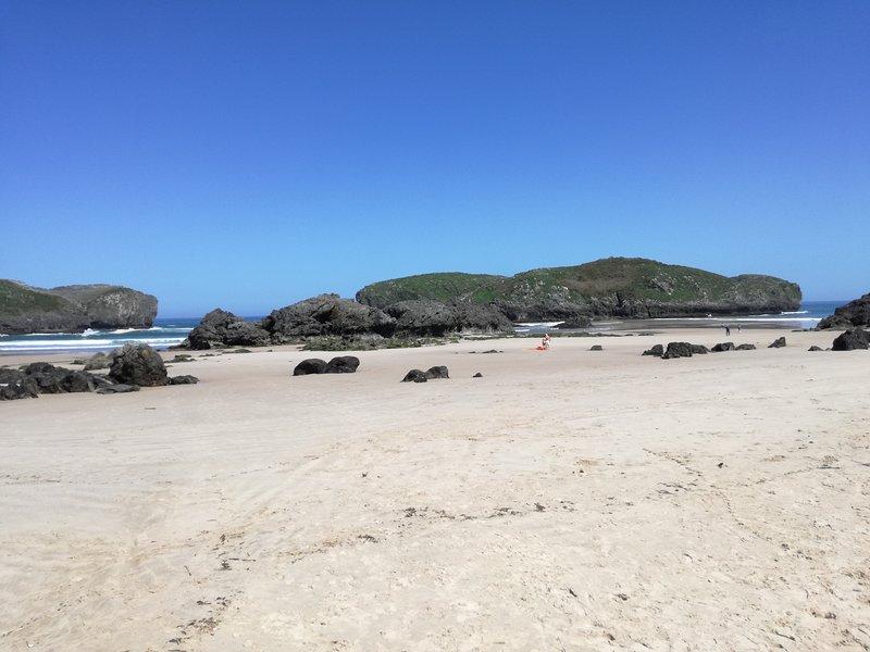 Borizo strand een paar kilometer van Llanes