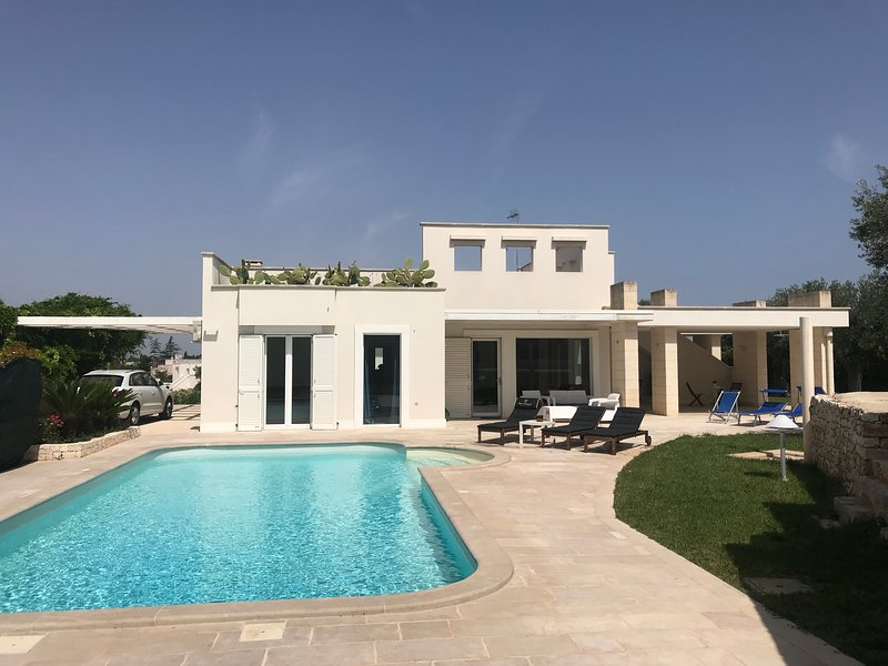 DYRIA. Exclusive Villa with a private pool and a wonderful garden just, holiday rental in Cozzana