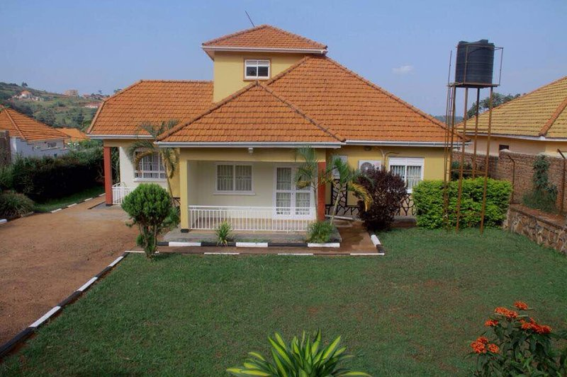 Your nemt vacation to Uganda, you must stay in this lovely three bedroom home we offer great service