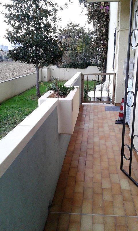 Balkon Wohnzimmer, Waschküche, Regal, Wäscheständer