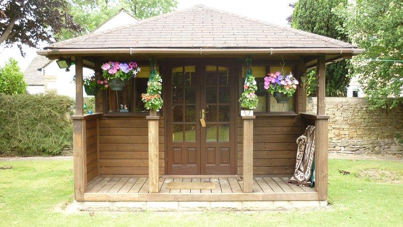 Beautiful Quiet Garden/Summer House, alquiler vacacional en Chapel-en-le-Frith