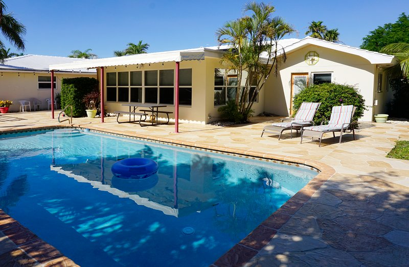 222-Lauderdale-by-the-Sea Private pool home 5 minute walk to beach! – semesterbostad i Lauderdale by the Sea
