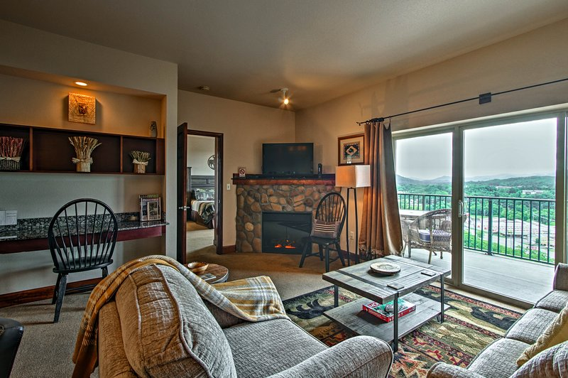 Kick off your Pigeon Forge retreat at this 2-bed, 2-bath vacation rental condo!