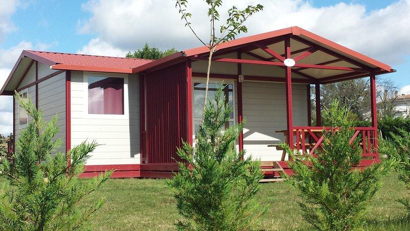 le domaine du rossignon chalet 3 ch 4 adultes 2 enfants, vacation rental in Grignols