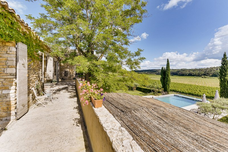 Sabran Villa Sleeps 12 with Pool - 5457573, casa vacanza a Cavillargues