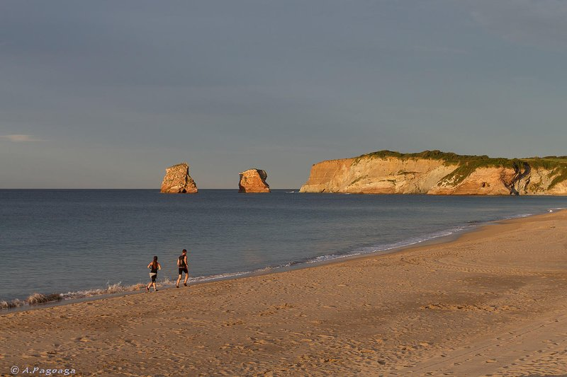 Tienes 3 kilometros de playa para correr o caminar!
