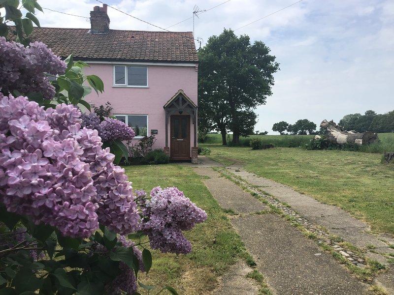 Lilac Cottage, Ferienwohnung in Theberton