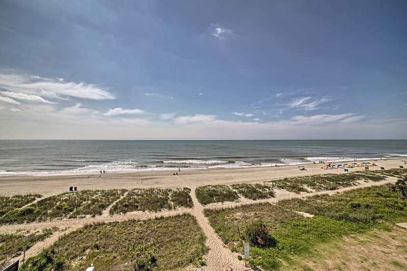 Your Myrtle Beach holiday begins at this coastal condo!