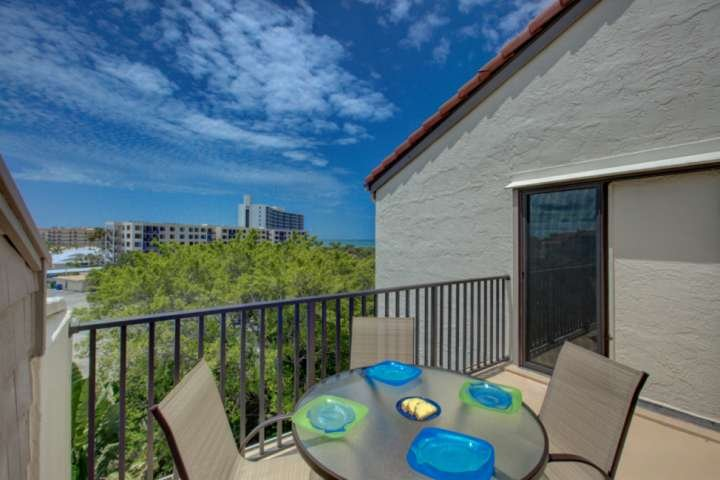 Enjoy your favorite vino on your private balcony with gorgeous gulf views from the master bedroom.