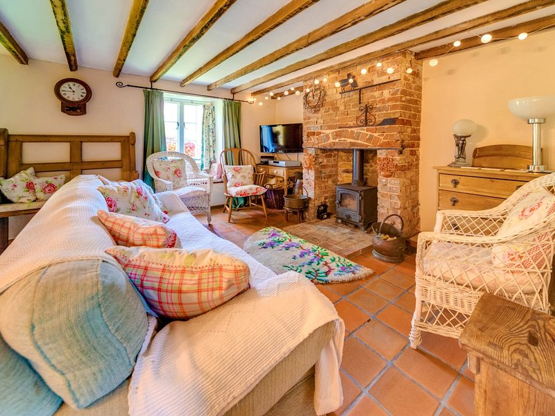 Charming lounge with an abundance of character