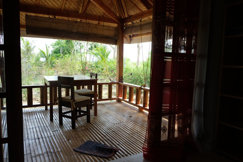 Beach House 2, Porch