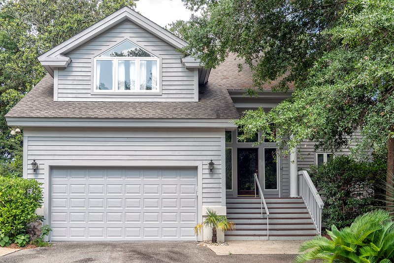 ¡Bienvenido a 2873 Hidden Oak Drive!