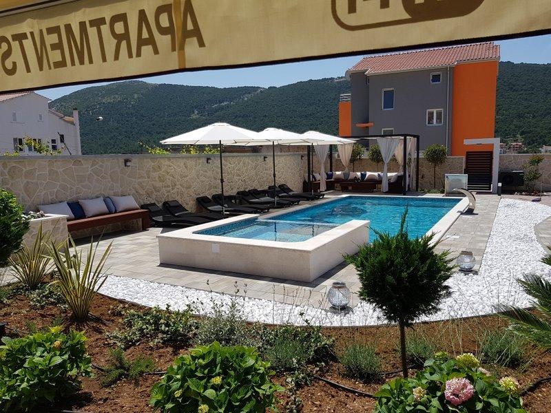 Ferienwohnung 886-3 für 6+2 Pers. in Grebaštica, location de vacances à Grebastica