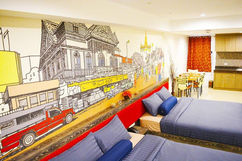 Luxurious, free wifi ,5 min from BTS, Near Silom, holiday rental in Phra Pradaeng