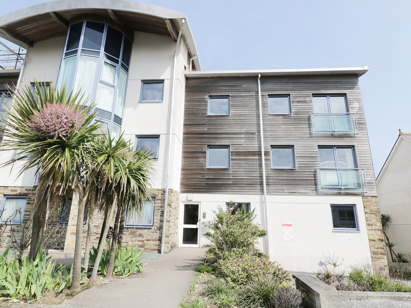 FISTRAL OUTLOOK, open plan, easy access to beach, WiFi, near Newquay, Ref 966009, Ferienwohnung in Crantock