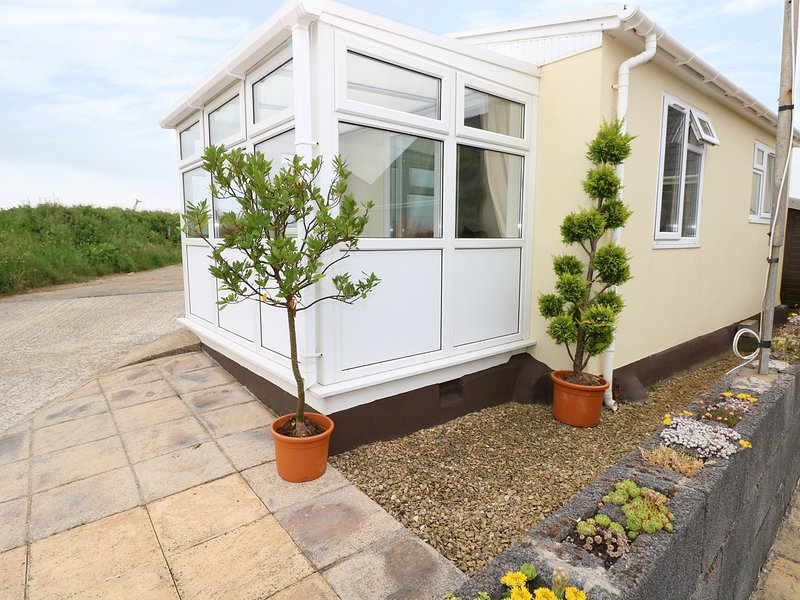 HAFOD, conservatory, near Cardigan, holiday rental in Cilgerran