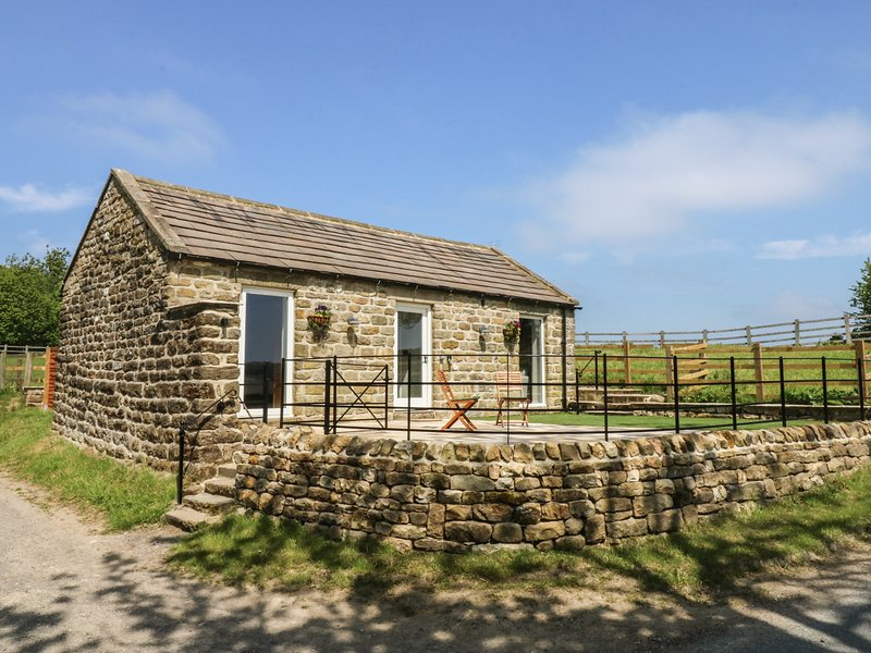 LAKE FARM COTTAGE, hot tub, open-plan, near Pateley Bridge, location de vacances à Sawley