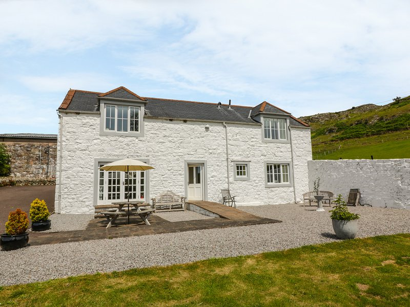 BRACKEN HOLIDAY COTTAGE, countryside views, on livestock farm, Dalbeattie 4, casa vacanza a Palnackie