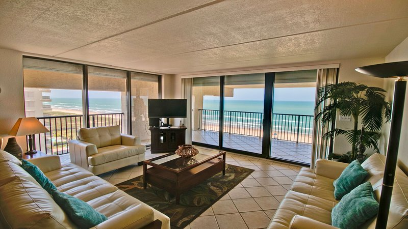 Living area with great ocean view!
