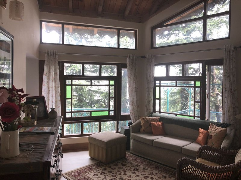 Stonewood House Dalhousie India (Full House), holiday rental in Banikhet