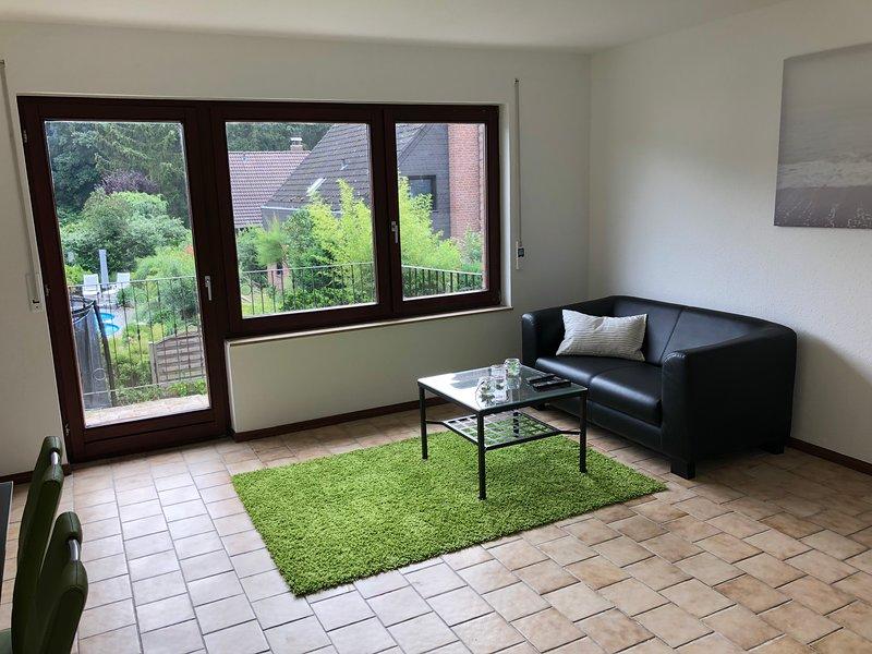 Apartment Düsseldorf Hellerhof, holiday rental in Leichlingen