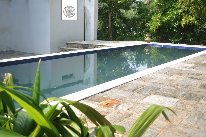 Colonial villa with an Outdoor pool (6P Max), location de vacances à Weligama