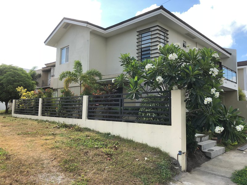 Nuvali Retreat - Stylish house and garden, holiday rental in Calabarzon Region