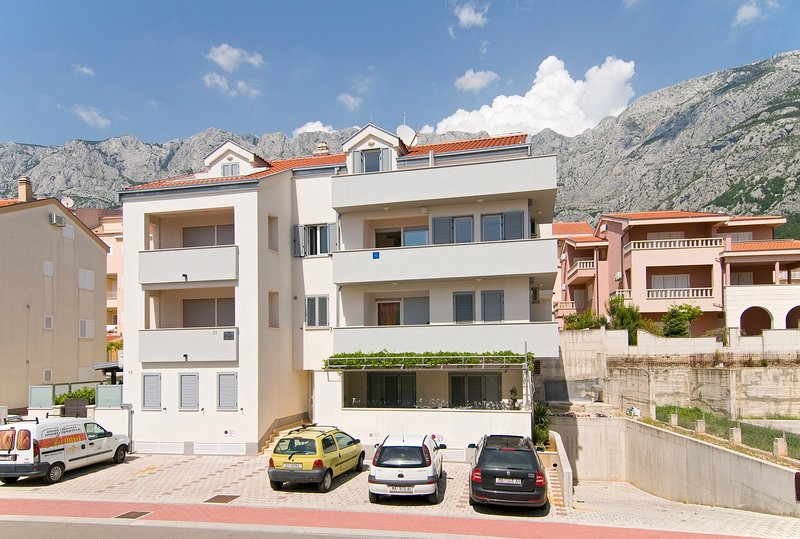 Cozy apartment Gracin in Makarska, 6+2 persons, alquiler de vacaciones en Makarska