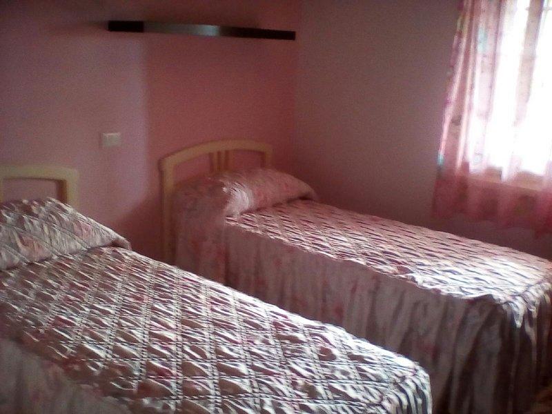 comodo appartamento, vacation rental in Tremestieri Etneo