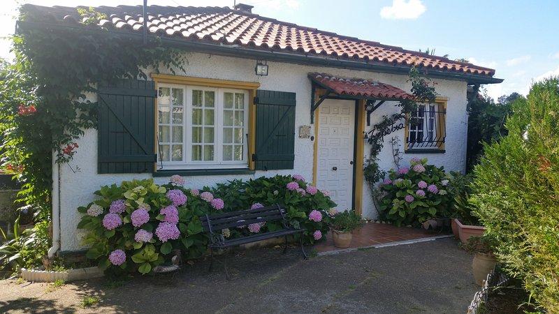 Casa individual gran jardín, alquiler vacacional en Hendaya