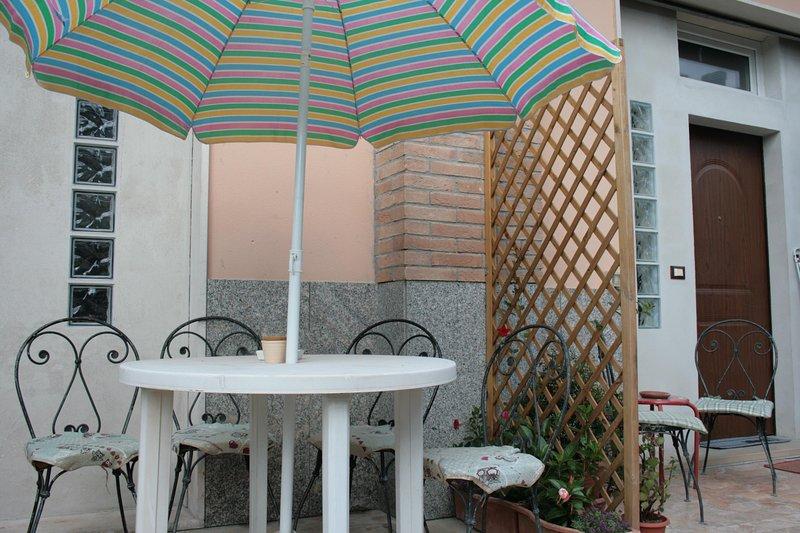 Nice apt with garden & Wifi – semesterbostad i Santa Teresa di Spoltore