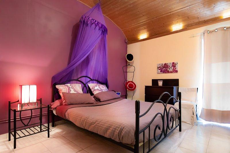 Master bedroom bed 160cm 200cm times