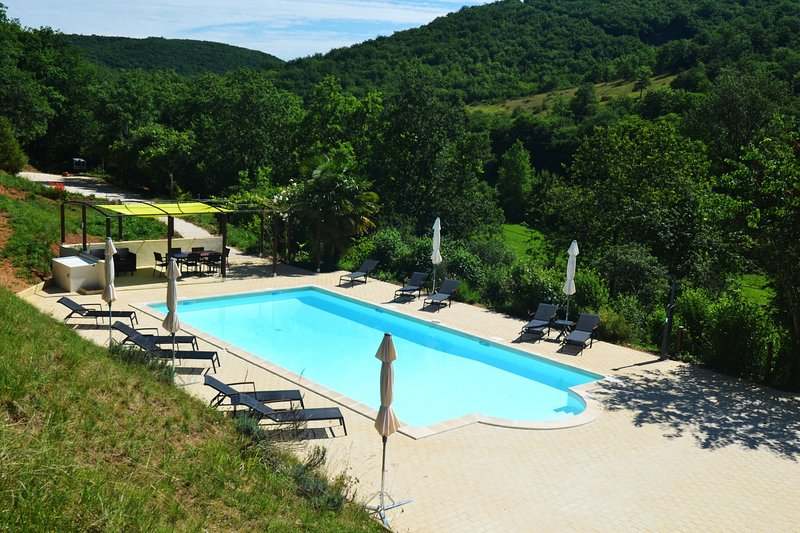 Le Manoir B&B - Room Braucol - 2p - swimming pool, vacation rental in Lanzac