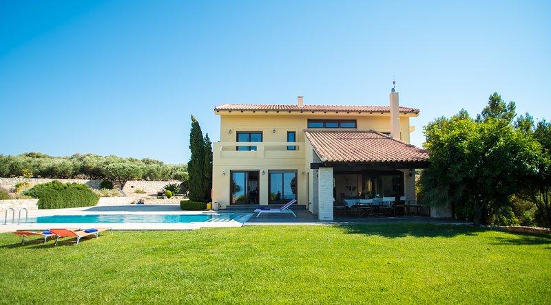 Villa Nantia Archanes, vacation rental in Vasilies