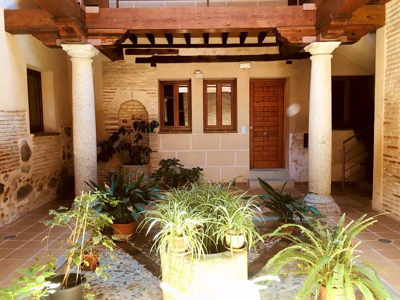 Alojamiento en el centro de Toledo, holiday rental in Camarena